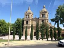 Iglesia del Arrabal em frente Rio Tormes